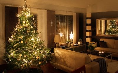 7 Safety Tips for Holiday Decorating